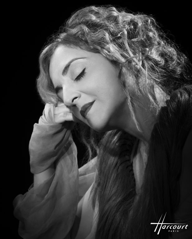 Nicola Costantino - Mujeres Argentinas
